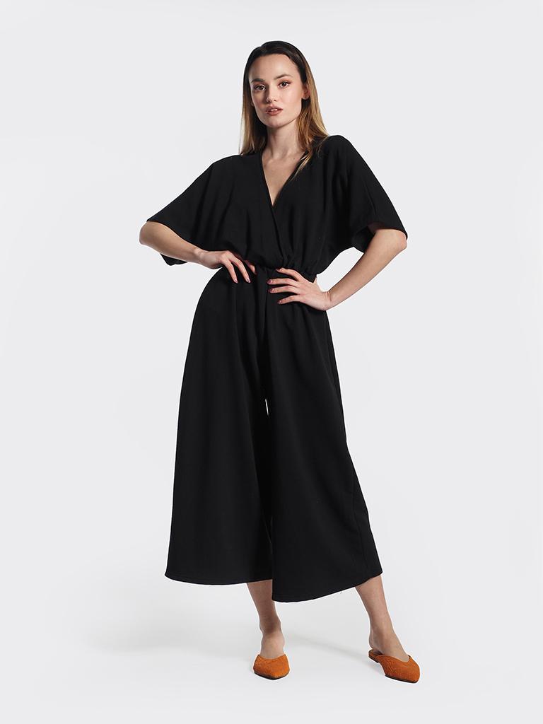 Ολόσωμη μαύρη φόρμα